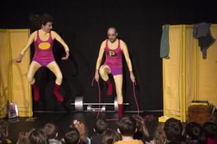 Petits poids et haltères - Compagnie La Pierre et le Tapis 4 - Photo Bernard Lazéras